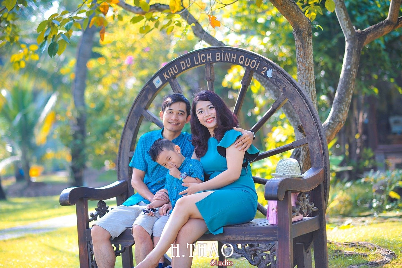 Anh gia dinh 3 nguoi 1 - Báo giá chụp hình gia đình