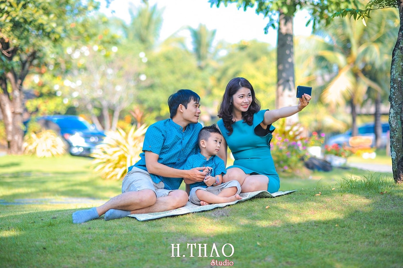 Anh gia dinh 3 nguoi 3 - Báo giá chụp hình gia đình