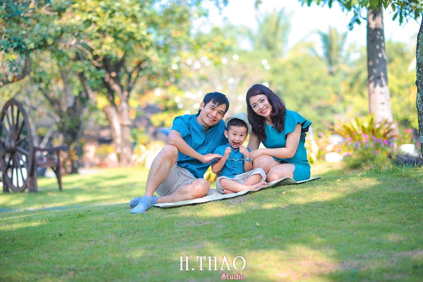 Anh gia dinh 3 nguoi 5 - Báo giá chụp hình gia đình