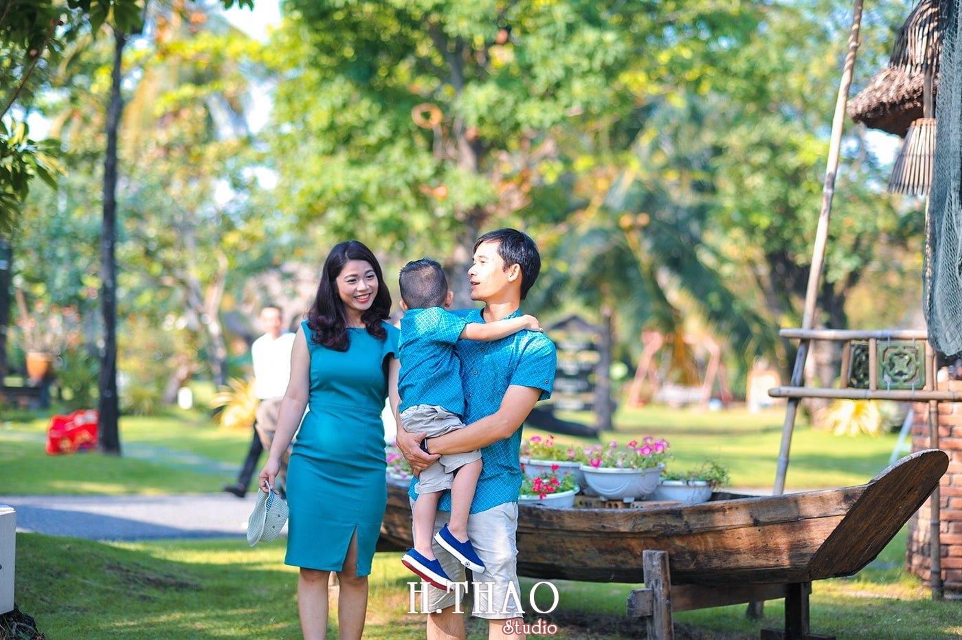 Anh gia dinh 3 nguoi 9 - Báo giá chụp hình gia đình