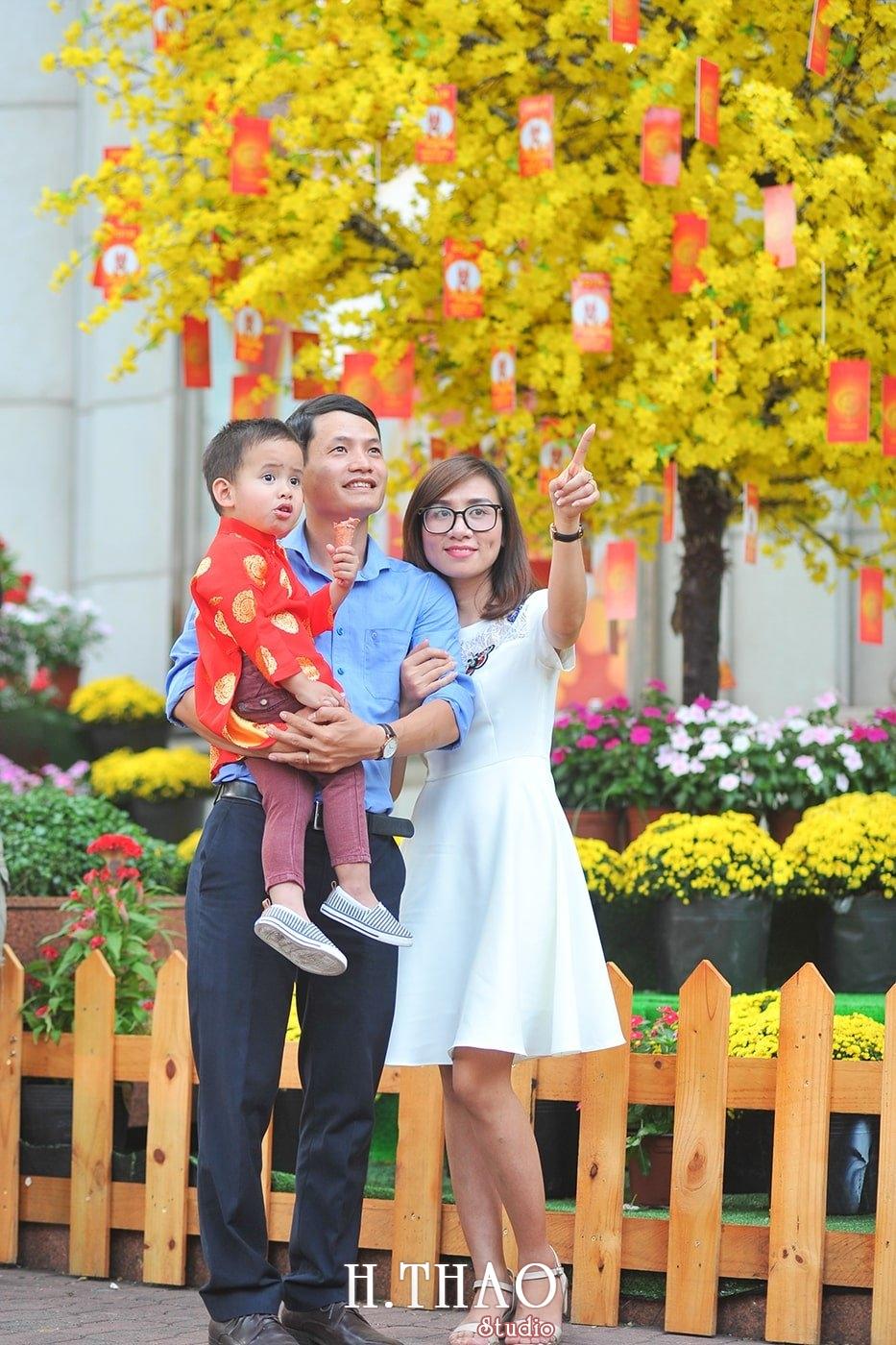 Anh gia dinh anh phong 1 - Ảnh chụp gia đình anh Phong Hồ, Quận 1 Tp.HCM