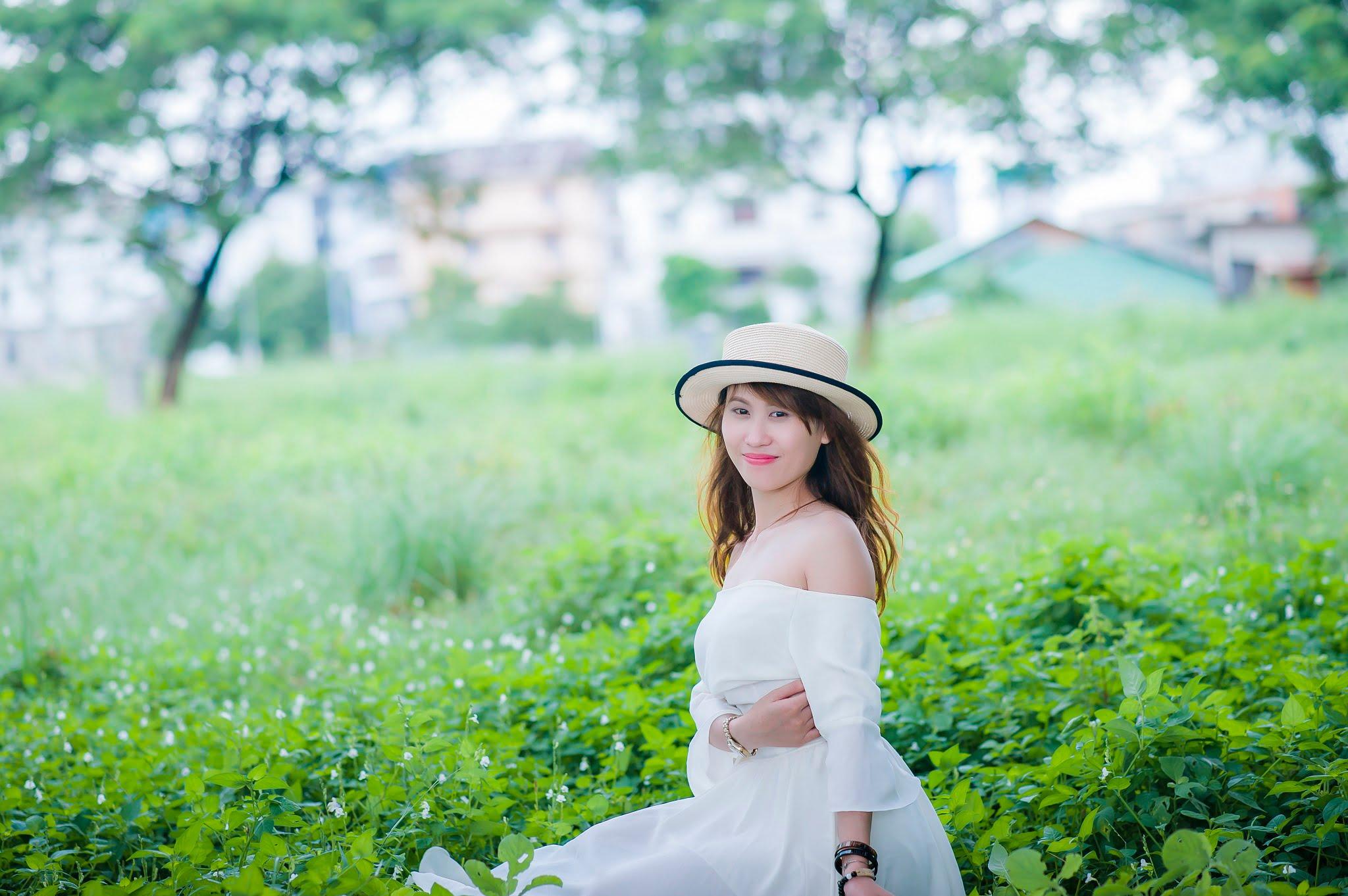 FB be dinh1 - Ảnh chụp với cỏ lau Đảo Kim Cương, Quận 2