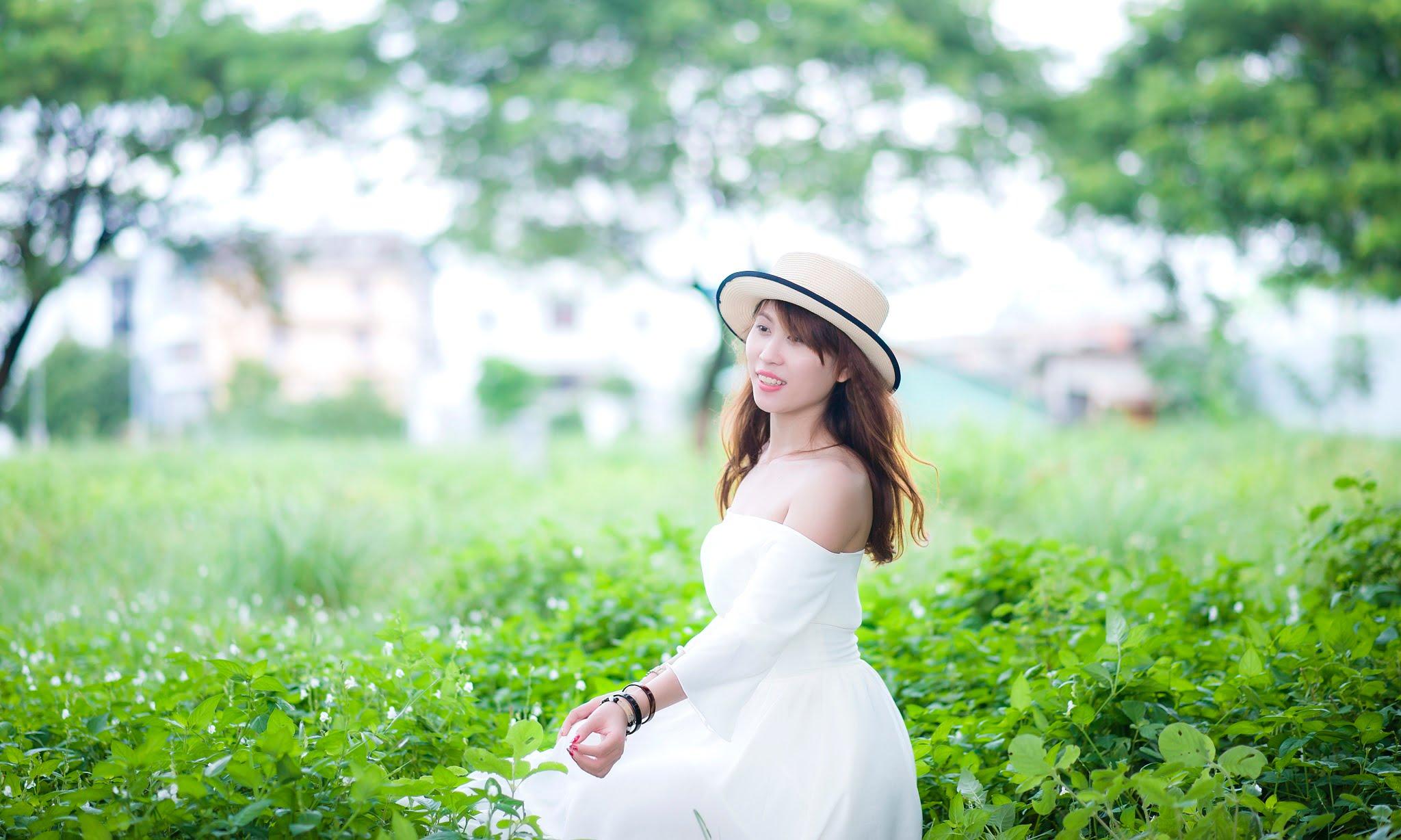 FB be dinh5 - Ảnh chụp với cỏ lau Đảo Kim Cương, Quận 2