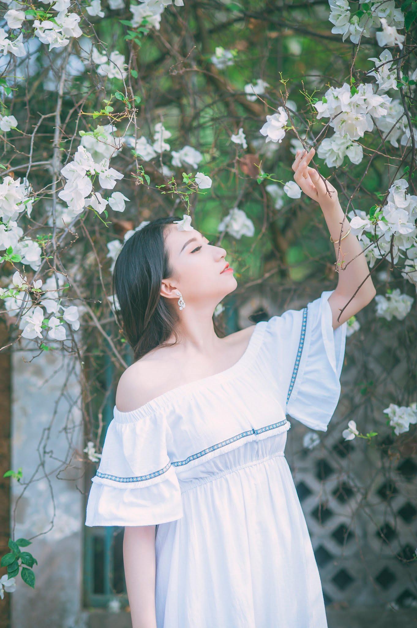 anh chup hoa giay 2 - Ảnh chụp với hoa giấy quận 2 - Huỳnh Như