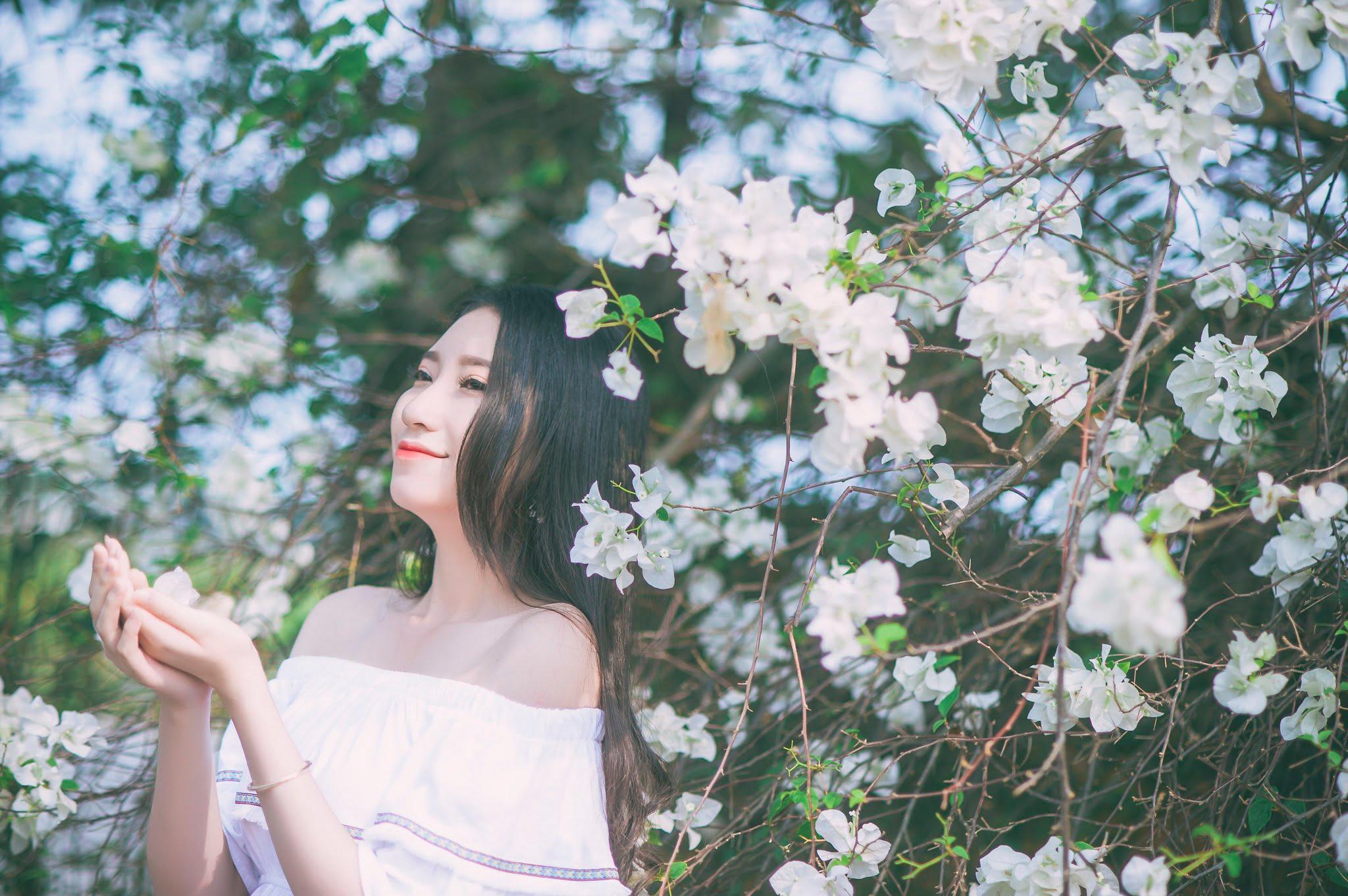 anh chup hoa giay 8 - Ảnh chụp với hoa giấy quận 2 - Huỳnh Như