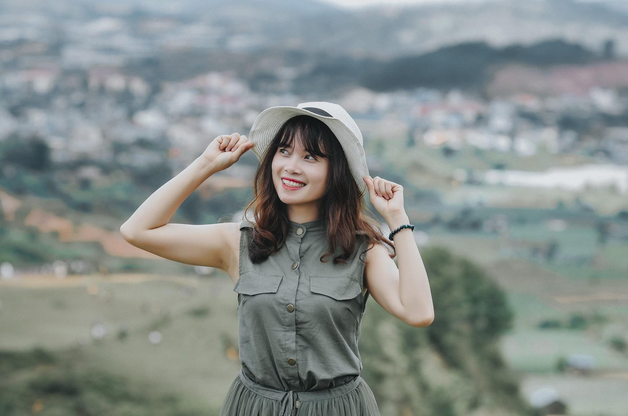 trang 1 - Ảnh chụp trên đỉnh Langbiang Đà Lạt - Trang Nguyễn