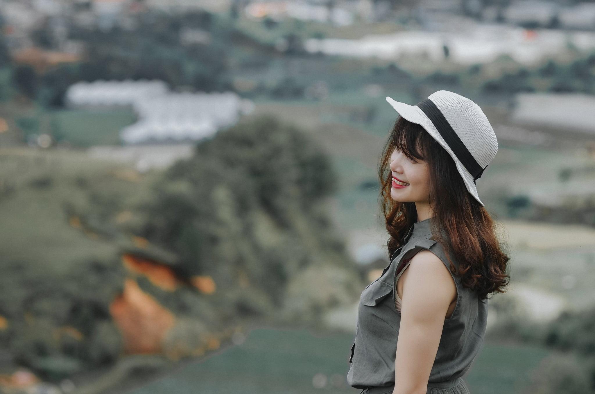 trang 3 - Ảnh chụp trên đỉnh Langbiang Đà Lạt - Trang Nguyễn