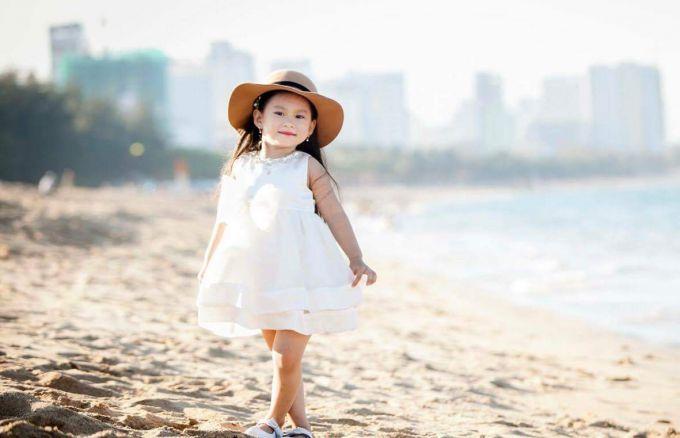 Thoi trang con nit 7 680x438 - Gợi ý thời trang kiểu tây cho bé