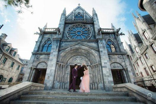 anh cuoi phim truong 3 526x350 - Top 4 phong cách chụp ảnh cưới hot nhất hiện nay
