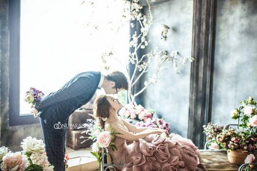 anh cuoi phim truong 5 525x350 - Top 4 phong cách chụp ảnh cưới hot nhất hiện nay