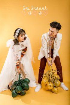 anh cuoi studio 2 233x350 - Top 4 phong cách chụp ảnh cưới hot nhất hiện nay