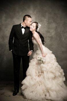 anh cuoi studio 9 234x350 - Top 4 phong cách chụp ảnh cưới hot nhất hiện nay