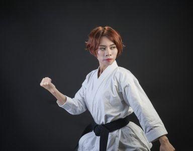 thumnail karate 384x300 - Báo giá chụp ảnh võ thuật