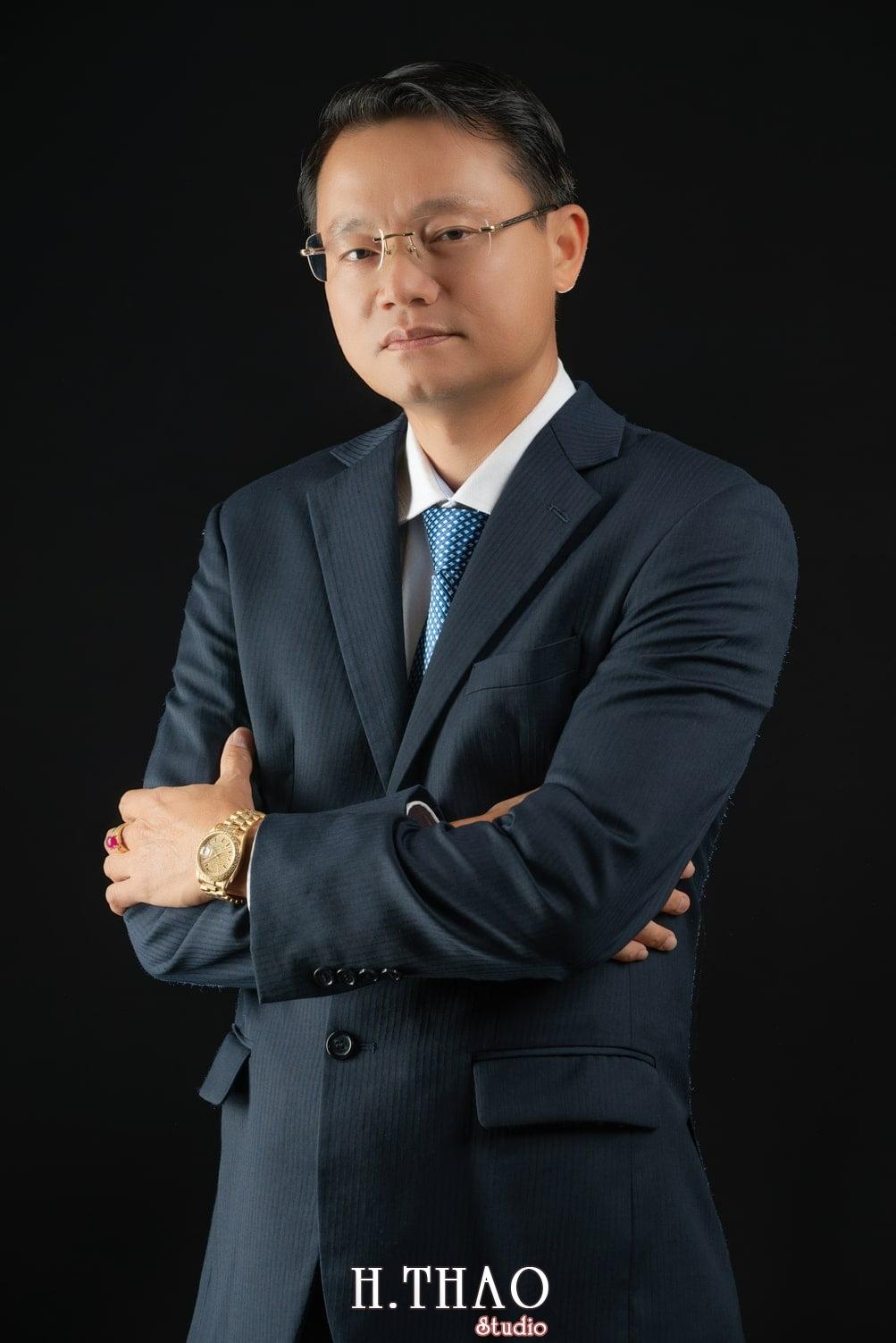 Anh Doanh Nhan 1 - Studio chuyên chụp ảnh profile công ty tại Tp.HCM – HThao Studio