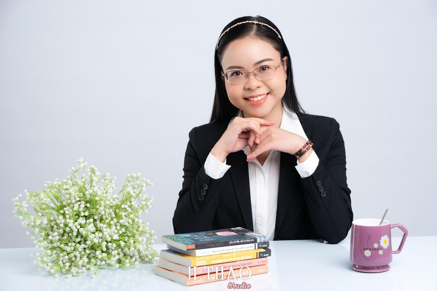 Anh Doanh nhan 11 1 - Góc ảnh doanh nhân, MC Khánh Vy đẹp năng động – HThao Studio