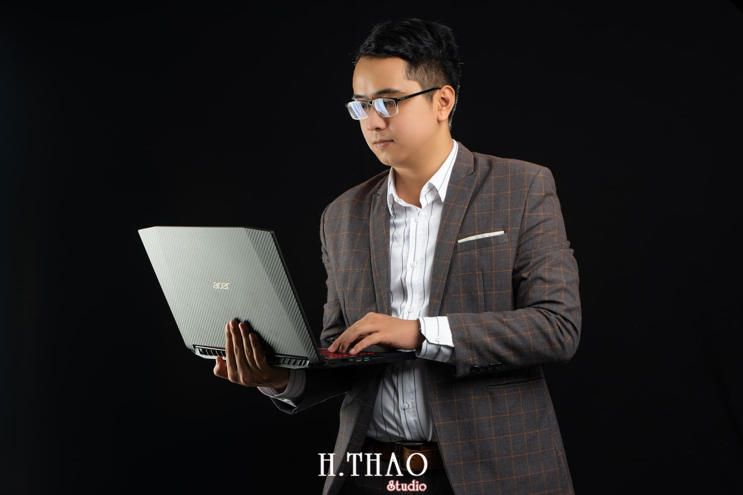 Anh Doanh nhan 45 - Báo giá chụp ảnh doanh nhân