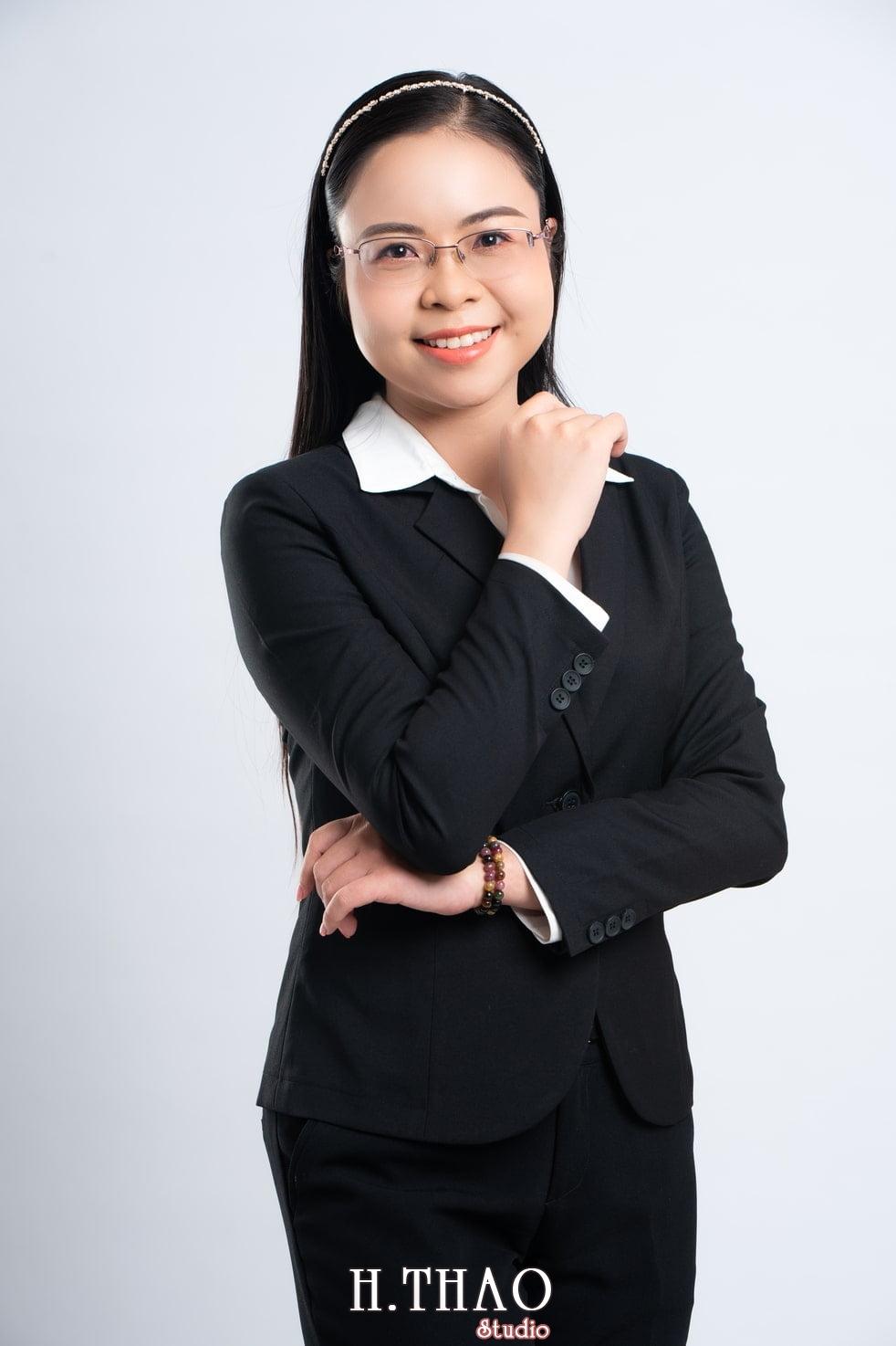 Anh Doanh nhan 5 1 - Góc ảnh doanh nhân, MC Khánh Vy đẹp năng động – HThao Studio