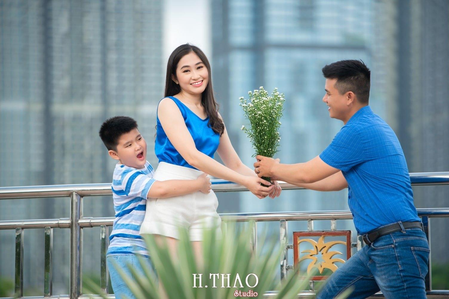 Anh Gia dinh 3 nguoi 1 - Bộ ảnh gia đình 3 người chụp ngoại cảnh đẹp tự nhiên - HThao Studio