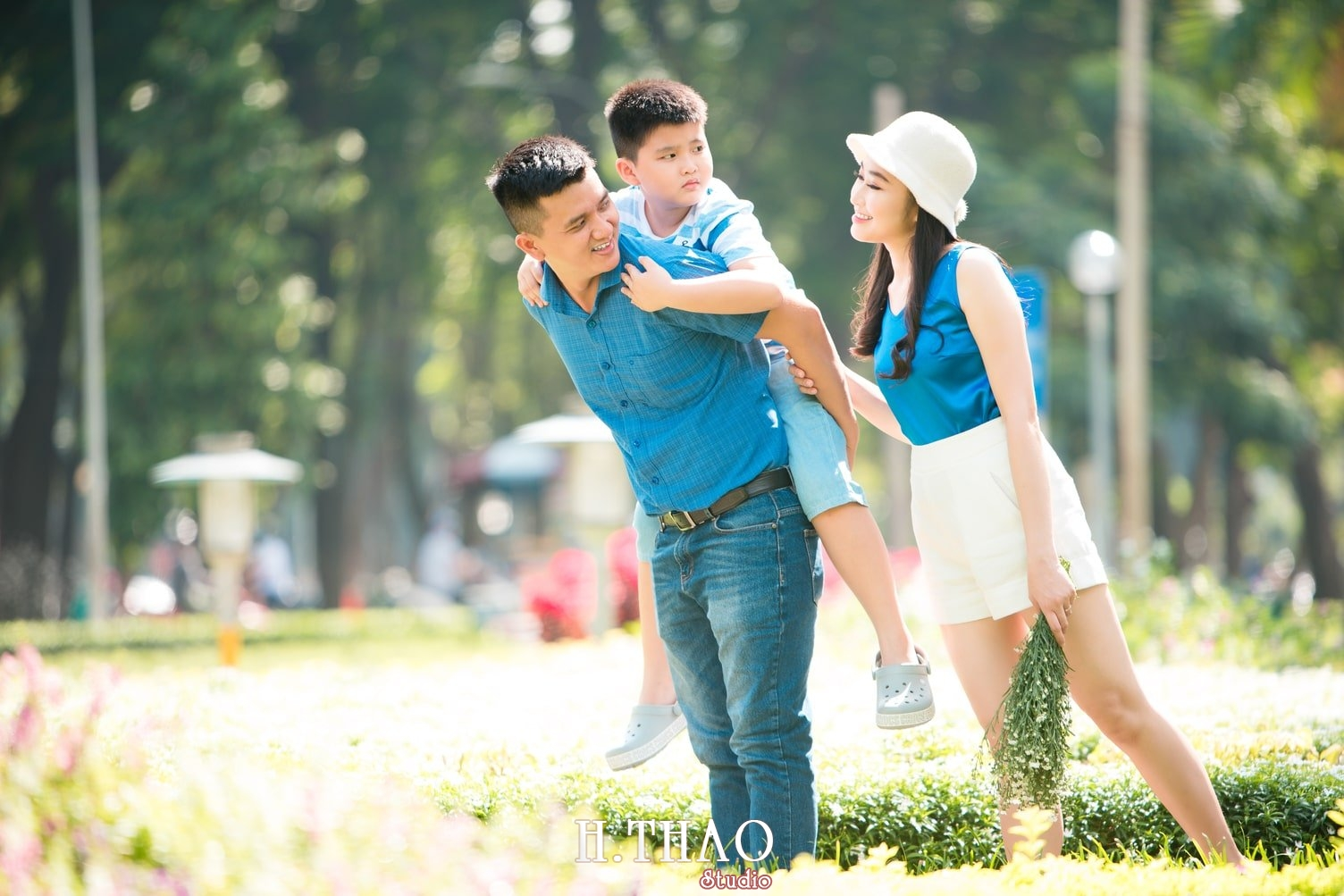 Anh Gia dinh 3 nguoi 10 - Studio chụp ảnh gia đình 3 người đẹp tại Tp.HCM - HThao Studio