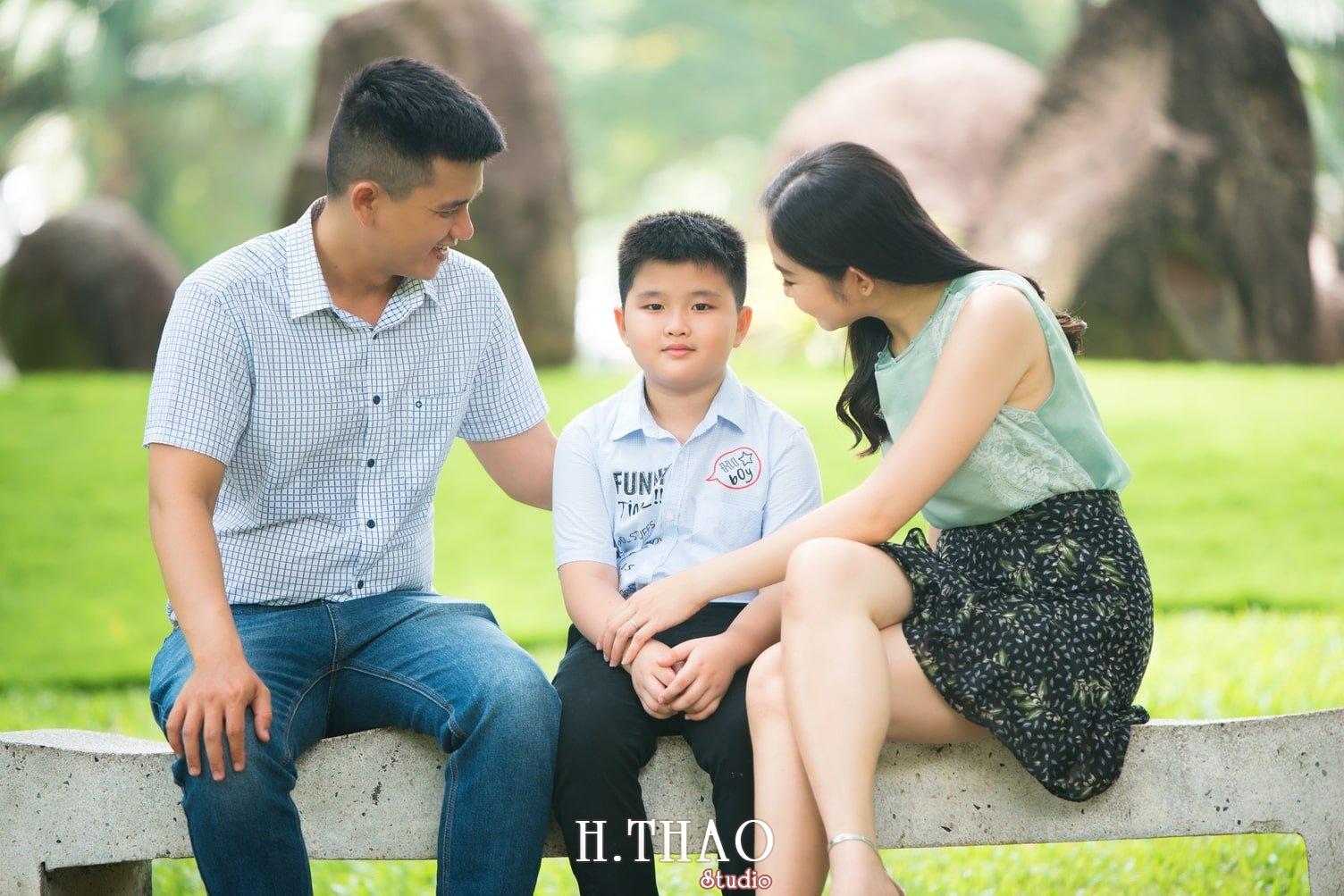 Anh Gia dinh 3 nguoi 18 - Bộ ảnh gia đình 3 người chụp ngoại cảnh đẹp tự nhiên - HThao Studio