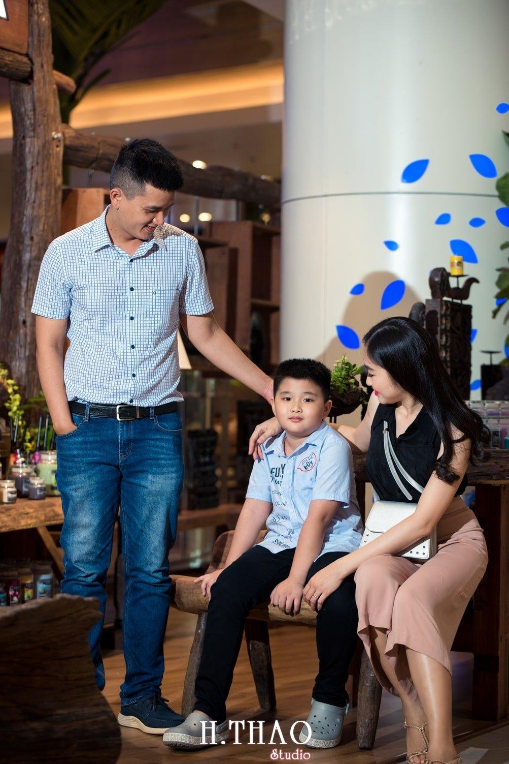Anh Gia dinh 3 nguoi 24 - Bộ ảnh gia đình 3 người chụp ngoại cảnh đẹp tự nhiên - HThao Studio