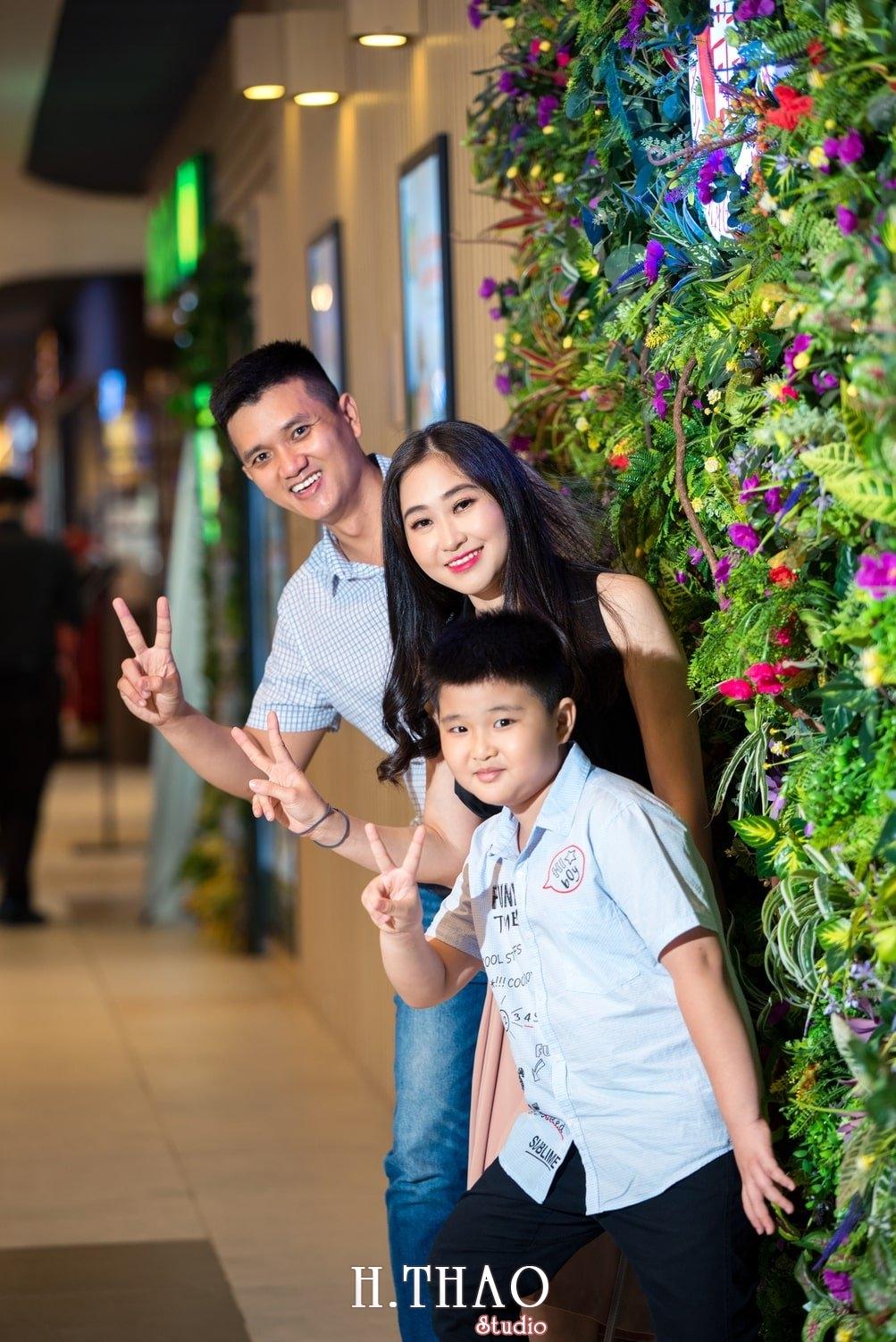 Anh Gia dinh 3 nguoi 27 - Bộ ảnh gia đình 3 người chụp ngoại cảnh đẹp tự nhiên - HThao Studio