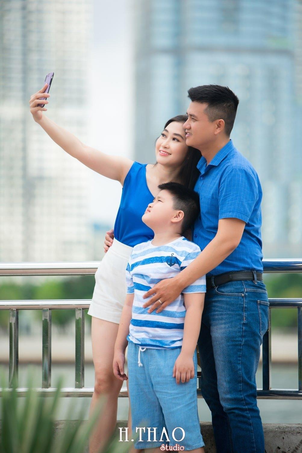 Anh Gia dinh 3 nguoi 3 - Gói chụp ảnh gia đình ngoại cảnh giá rẻ Tp. HCM - HThao Studio