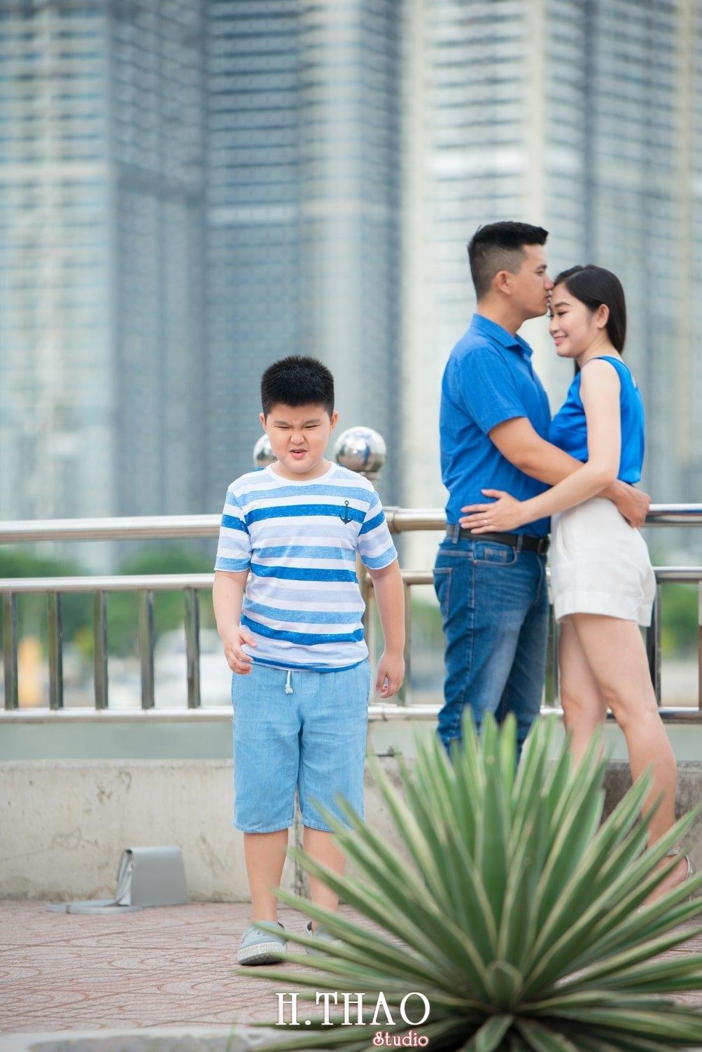 Anh Gia dinh 3 nguoi 5 - Bộ ảnh gia đình 3 người chụp ngoại cảnh đẹp tự nhiên - HThao Studio
