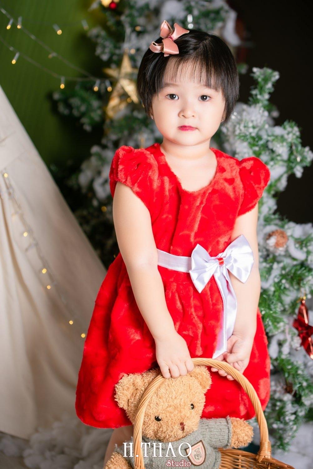 Anh be noel 1 - Album ảnh noel chụp cho con gái cưng chị Linh - HThao Studio