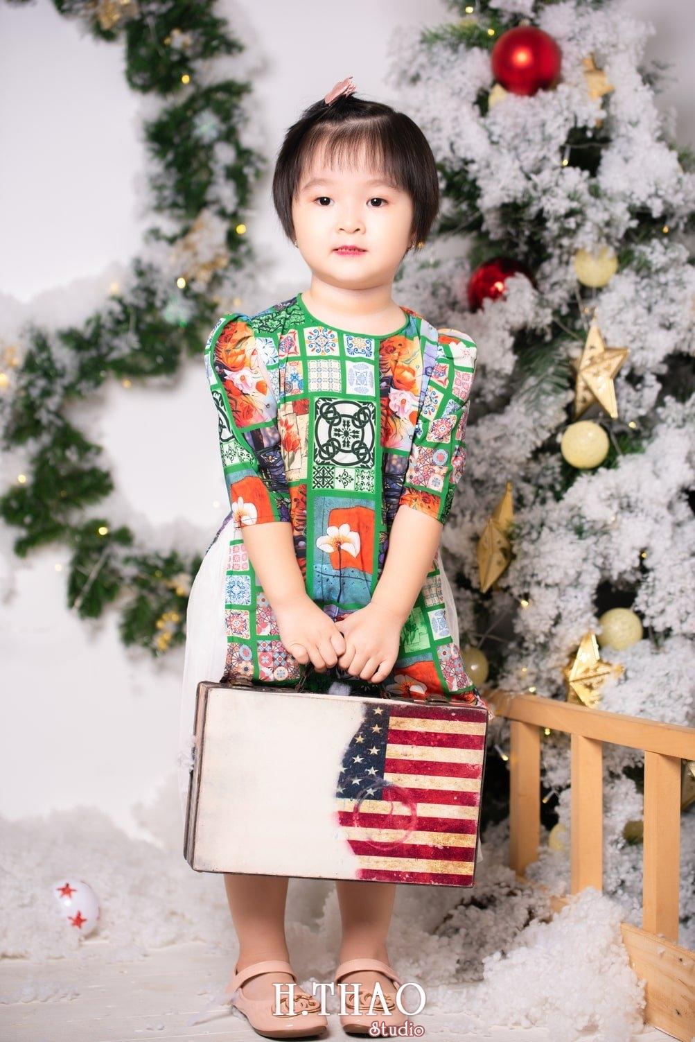 Anh be noel 26 - Album ảnh noel chụp cho con gái cưng chị Linh - HThao Studio