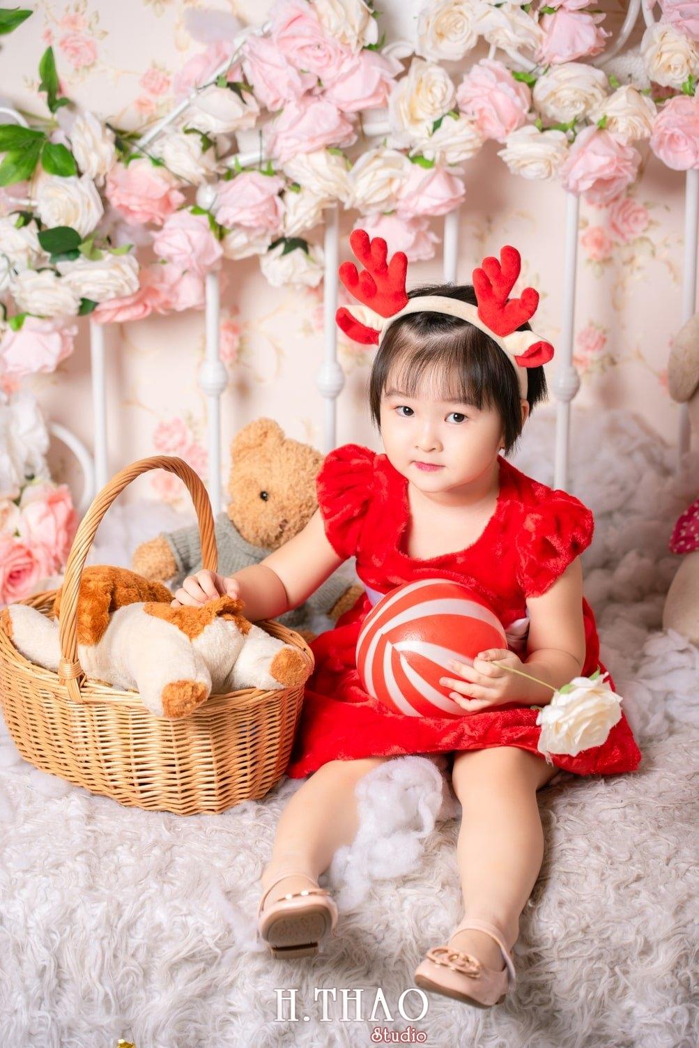 Anh be noel 8 - Album ảnh noel chụp cho con gái cưng chị Linh - HThao Studio