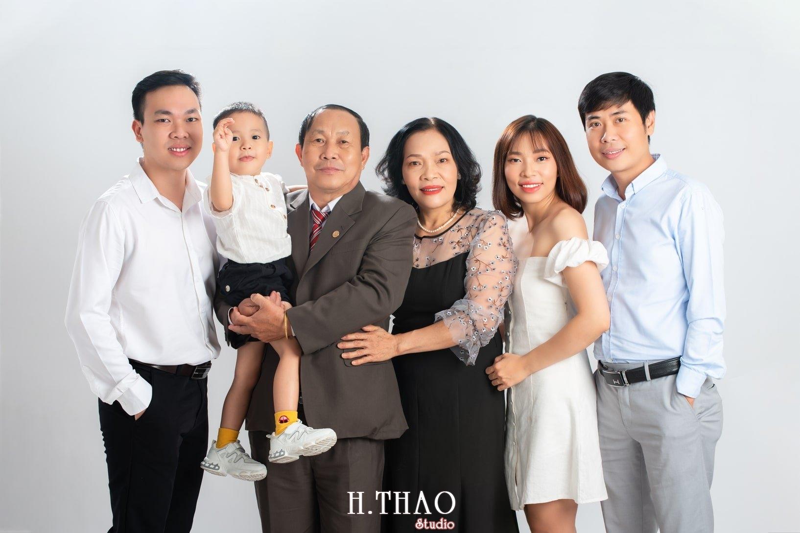 Anh gia dinh 2 - Dịch vụ chụp ảnh kỷ niệm ngày cưới - HThao Studio