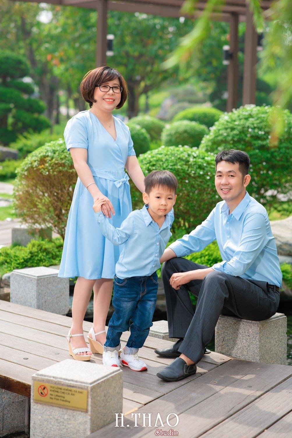 Anh gia dinh landmark 10 - Album ảnh gia đình chị Tâm chụp tại Vinhome Central Park