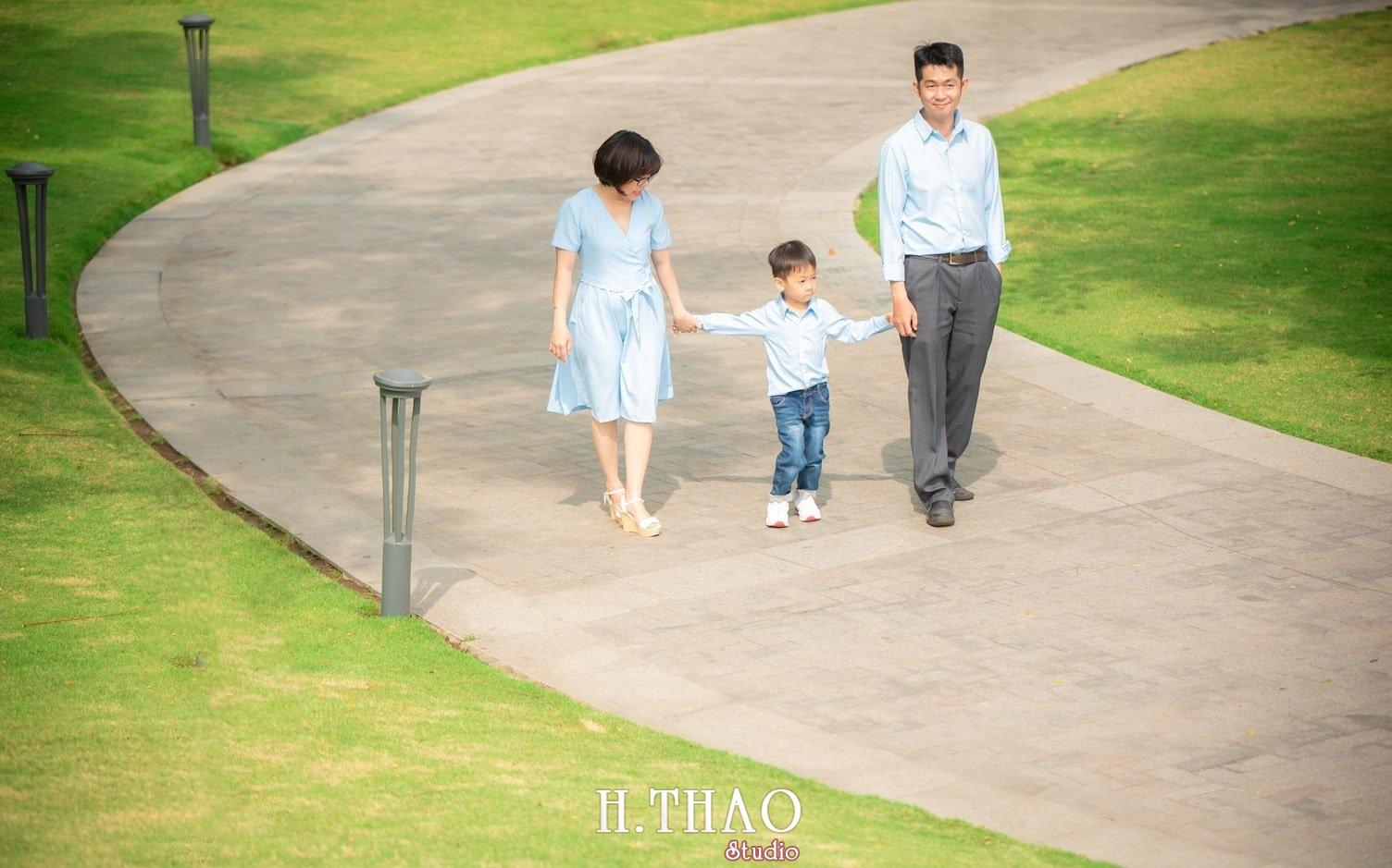 Anh gia dinh landmark 14 - Báo giá chụp hình gia đình