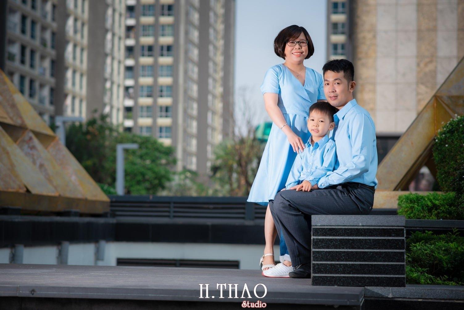Anh gia dinh landmark 3 - Album ảnh gia đình chị Tâm chụp tại Vinhome Central Park