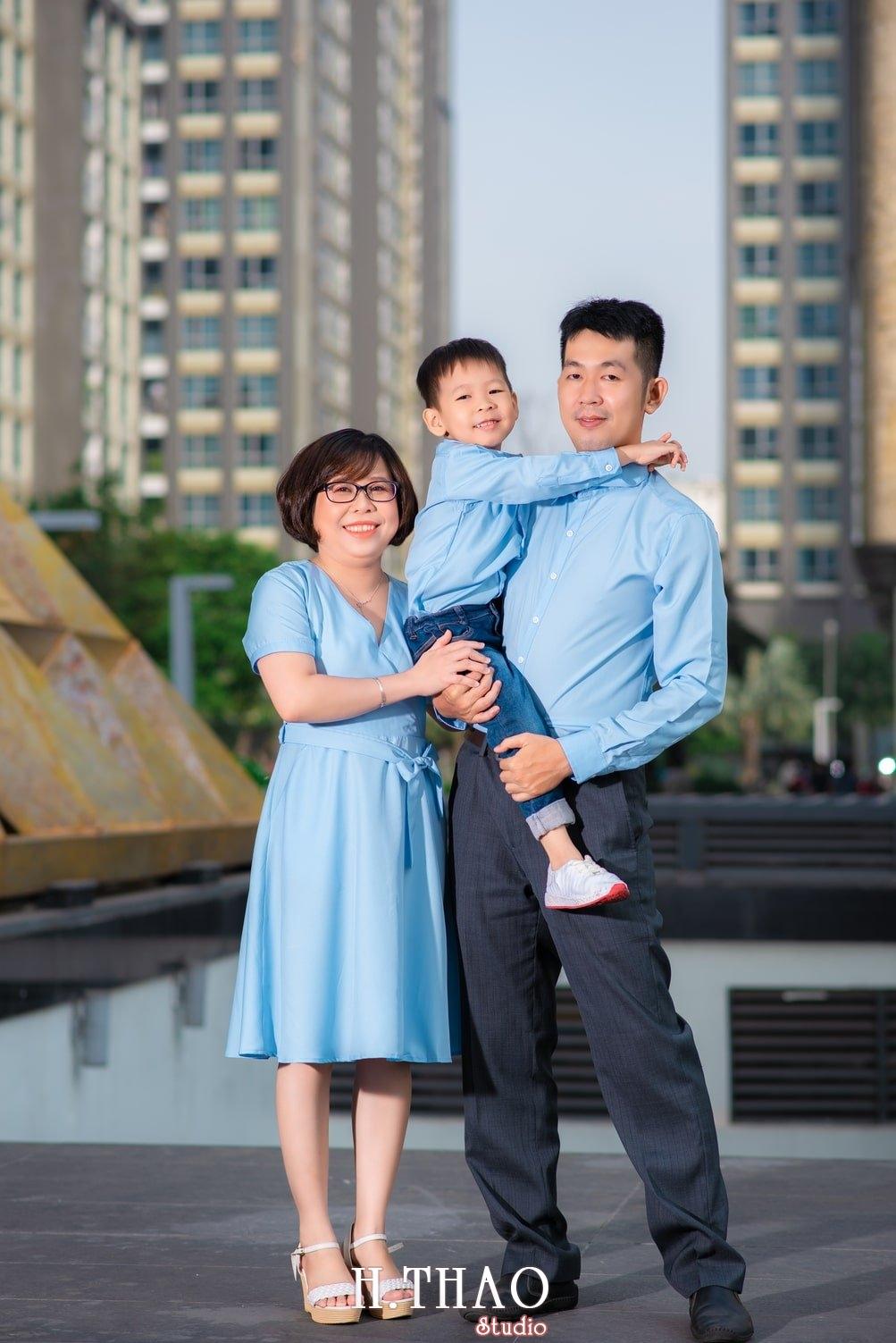 Anh gia dinh landmark 5 - Album ảnh gia đình chị Tâm chụp tại Vinhome Central Park