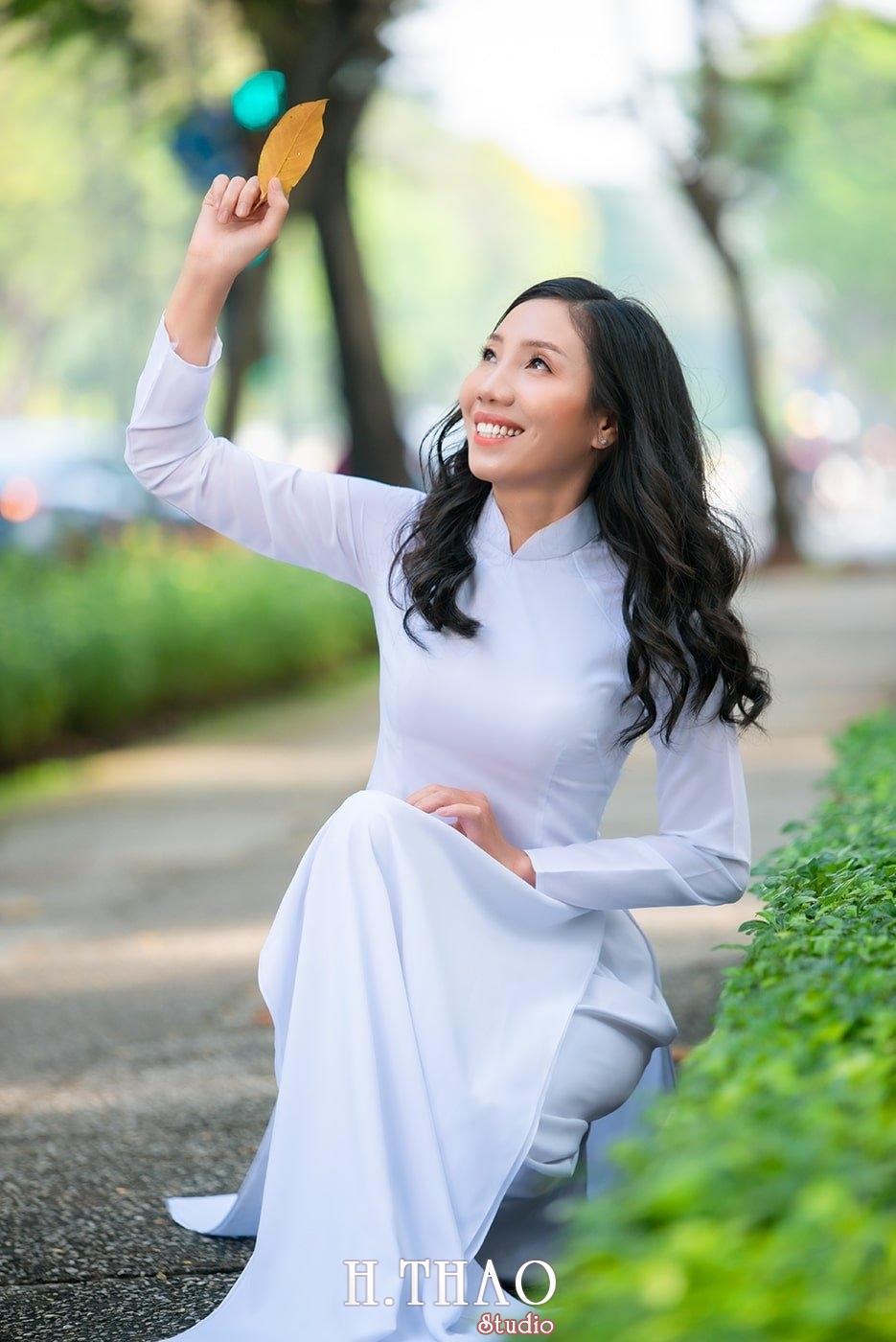 Ao dai nha tho duc ba 13 1 - Tổng hợp album ảnh áo dài chụp tại nhà thờ Đức Bà - HThao Studio