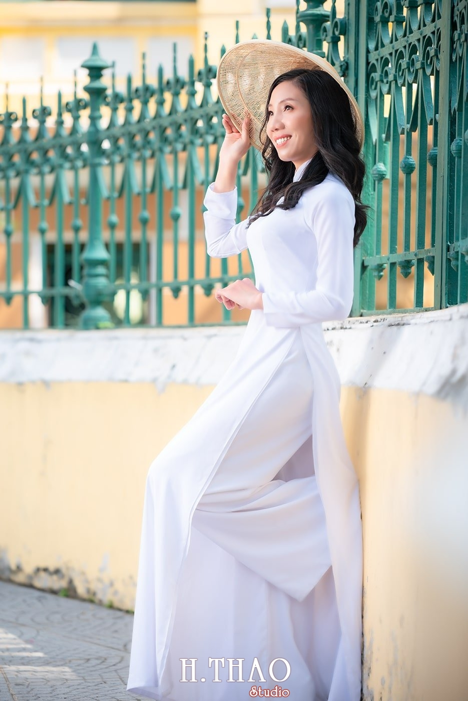 Ao dai nha tho duc ba 28 - Tổng hợp album ảnh áo dài chụp tại nhà thờ Đức Bà - HThao Studio