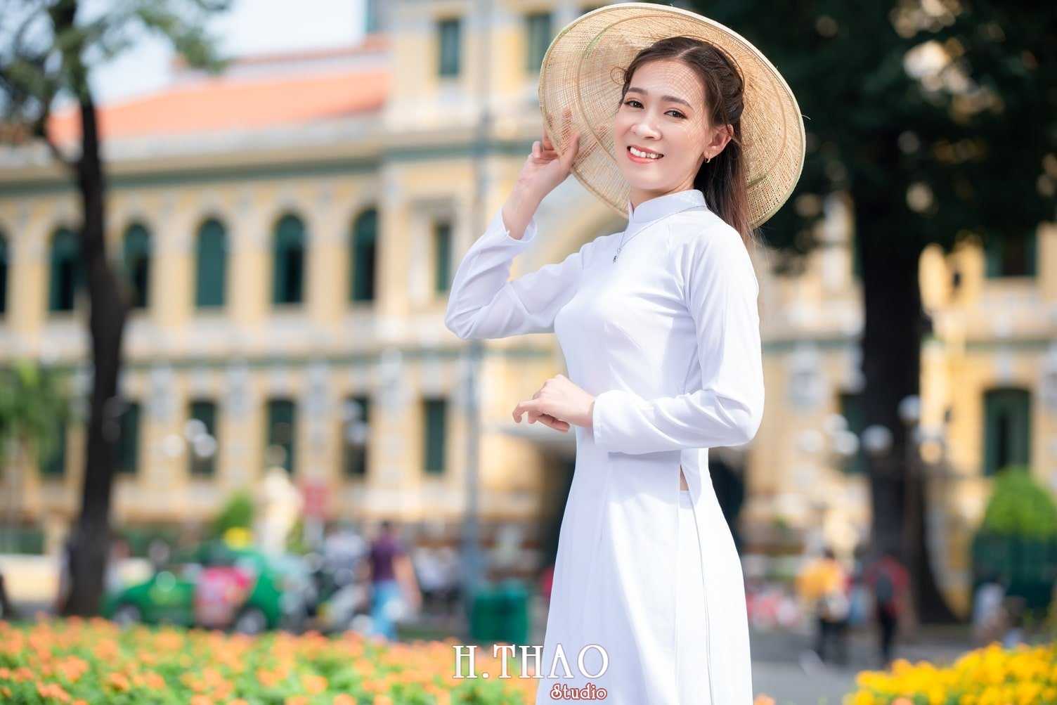 Ao dai nha tho duc ba 6 - Tổng hợp album ảnh áo dài chụp tại nhà thờ Đức Bà - HThao Studio