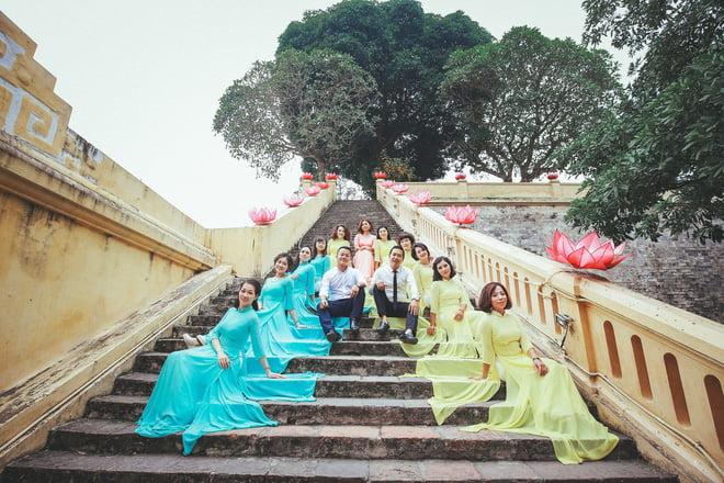Ao dai nhom dep 11 - 30+ cách tạo dáng chụp ảnh áo dài nhóm đẹp miễn chê – HThao Studio