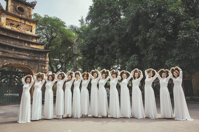 Ao dai nhom dep 14 - 30+ cách tạo dáng chụp ảnh áo dài nhóm đẹp miễn chê – HThao Studio