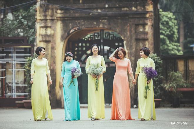 Ao dai nhom dep 3 - 30+ cách tạo dáng chụp ảnh áo dài nhóm đẹp miễn chê – HThao Studio