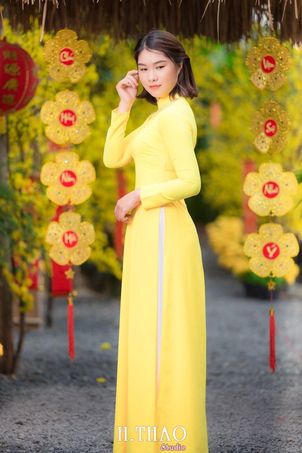 Ao dai tet 1 - Top 40 ảnh áo dài chụp với Hoa đào, hoa mai tết tuyệt đẹp- HThao Studio