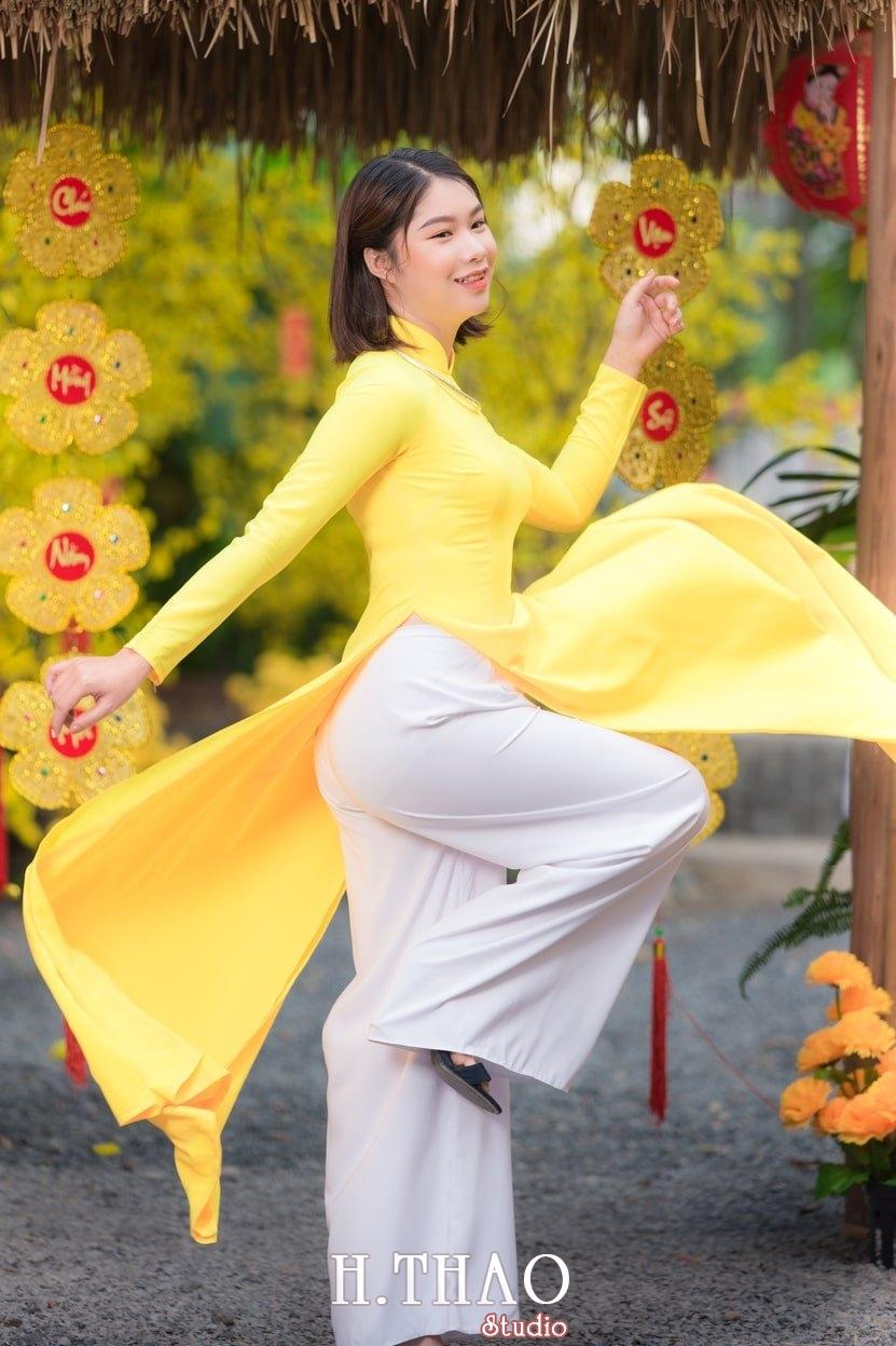 Ao dai tet 2 - Top 40 ảnh áo dài chụp với Hoa đào, hoa mai tết tuyệt đẹp- HThao Studio