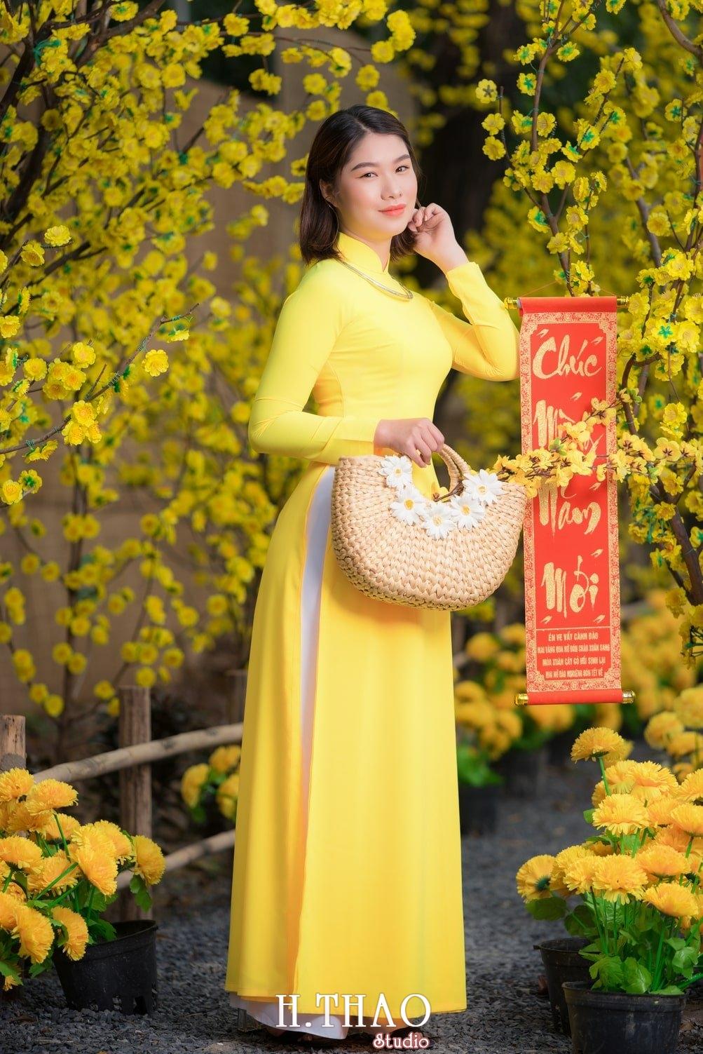 Ao dai tet 4 - Top 40 ảnh áo dài chụp với Hoa đào, hoa mai tết tuyệt đẹp- HThao Studio