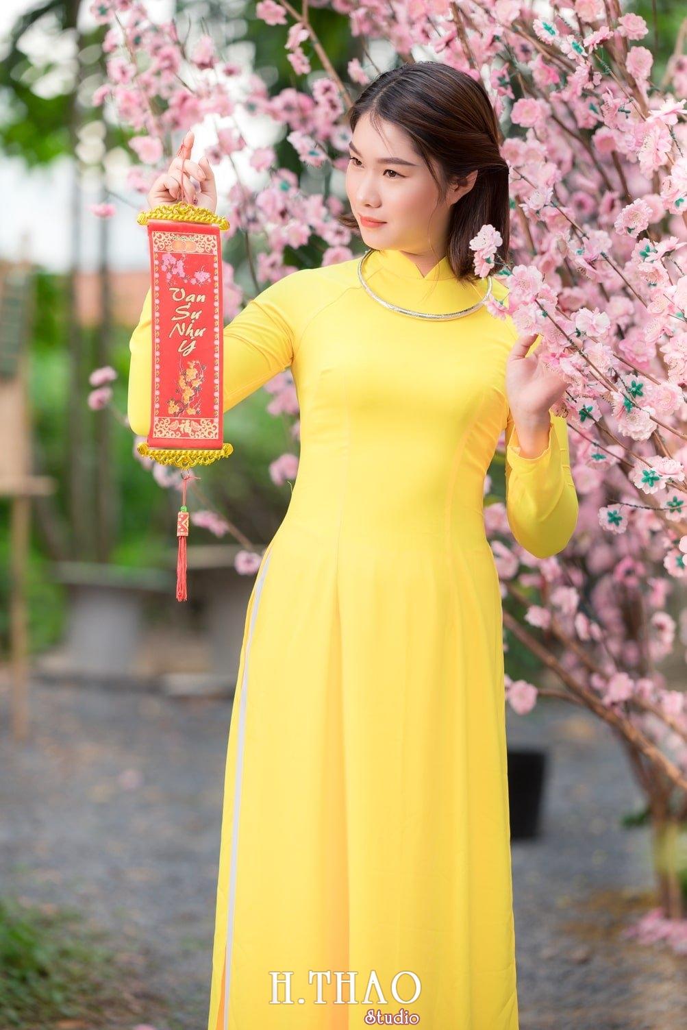 Ao dai tet 8 - Top 40 ảnh áo dài chụp với Hoa đào, hoa mai tết tuyệt đẹp- HThao Studio
