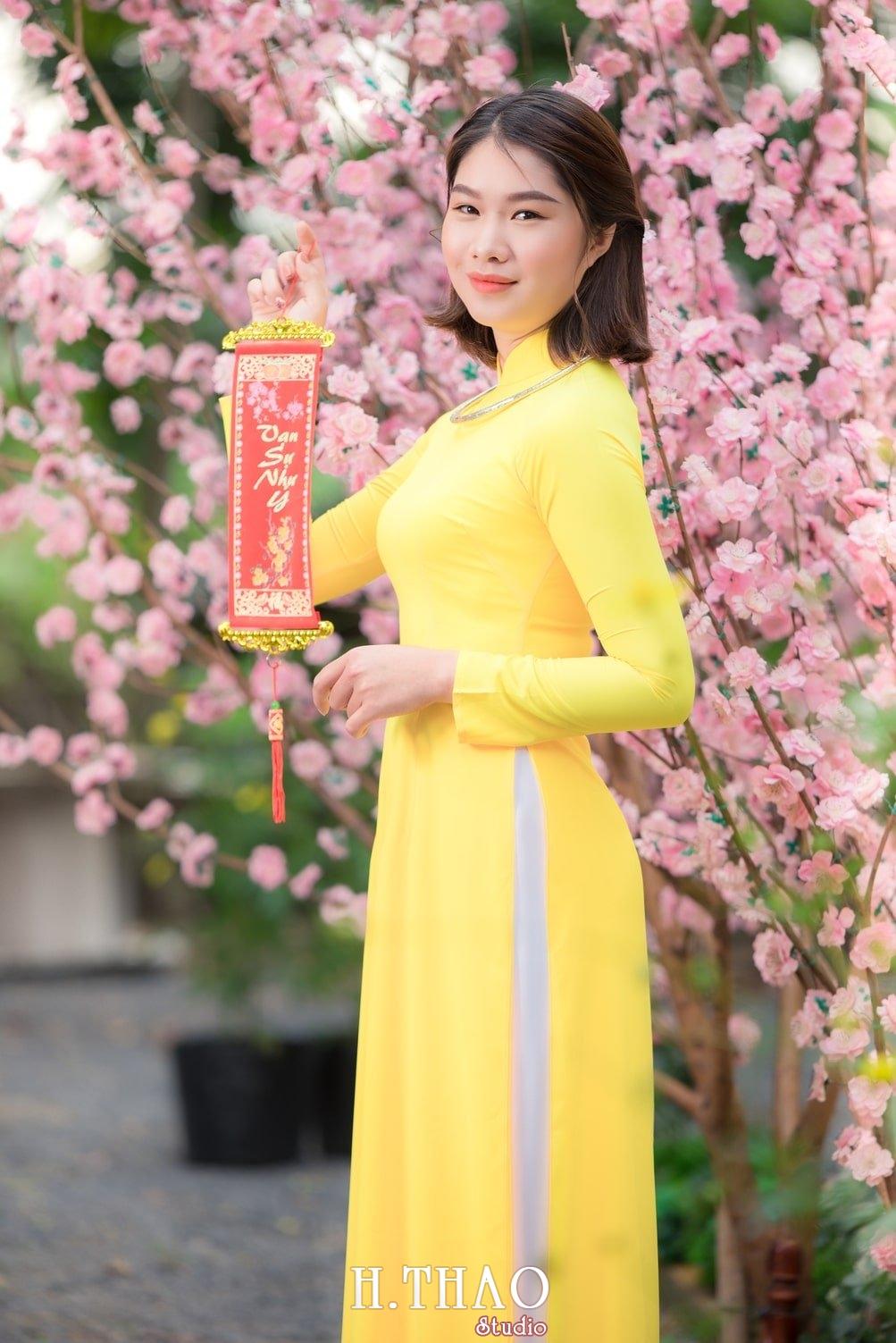 Ao dai tet 9 - Top 40 ảnh áo dài chụp với Hoa đào, hoa mai tết tuyệt đẹp- HThao Studio