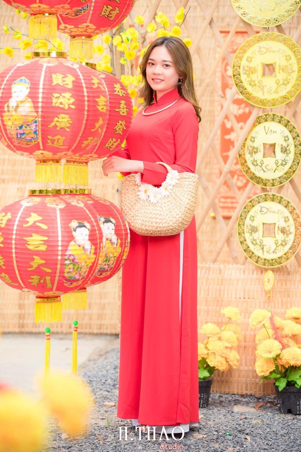 Ao dai tet do 13 - Top 40 ảnh áo dài chụp với Hoa đào, hoa mai tết tuyệt đẹp- HThao Studio