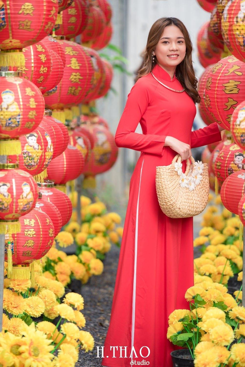 Ao dai tet do 14 - Top 40 ảnh áo dài chụp với Hoa đào, hoa mai tết tuyệt đẹp- HThao Studio