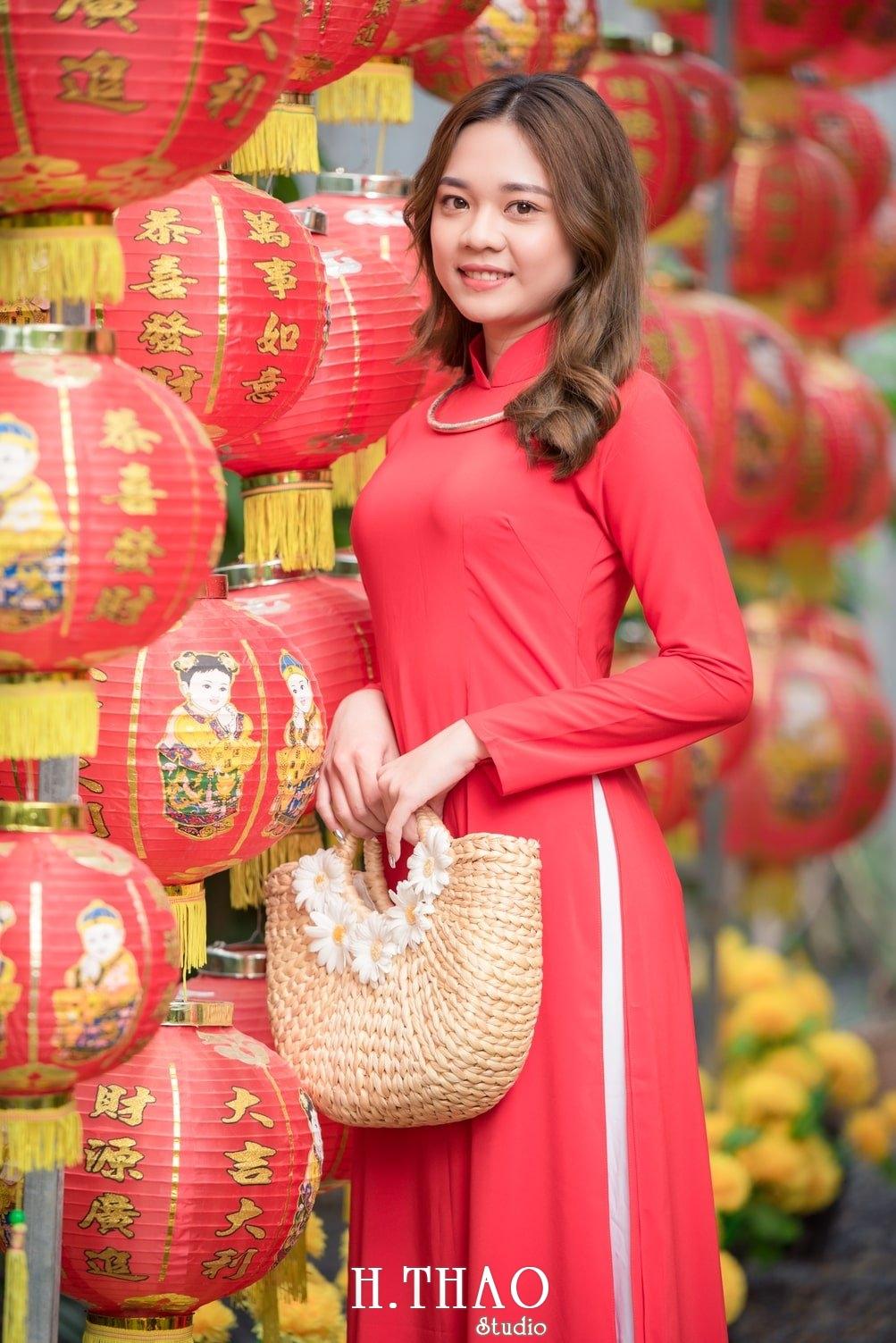 Ao dai tet do 16 - Top 40 ảnh áo dài chụp với Hoa đào, hoa mai tết tuyệt đẹp- HThao Studio